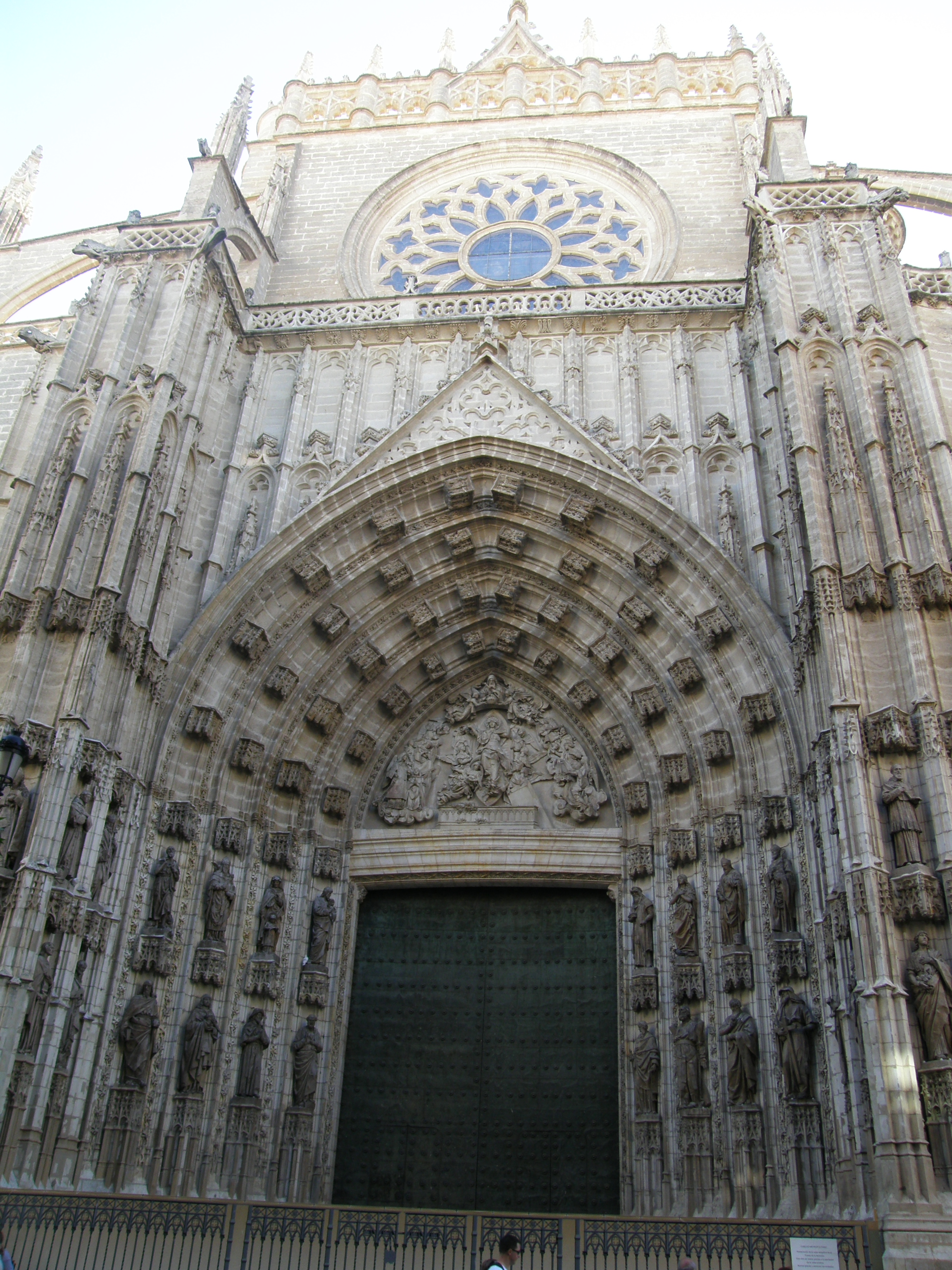Semana santa y mas primera etapa via de la plata for Exterior catedral de sevilla